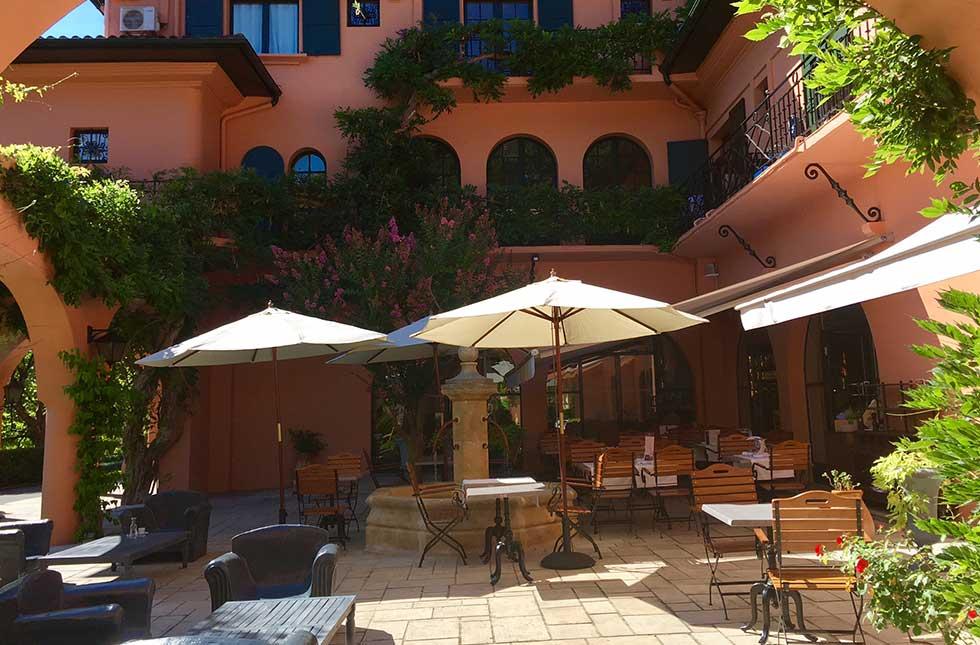 Hotel à Saint Jean de Luz, Le Chantaco, Pays basque, côte basque, les terrasses ombragées